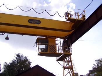 Мостовой кран общей грузоподъемностью 10 тонн: характеристики, назначение